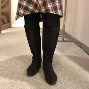 Manolo blahnik flat boot